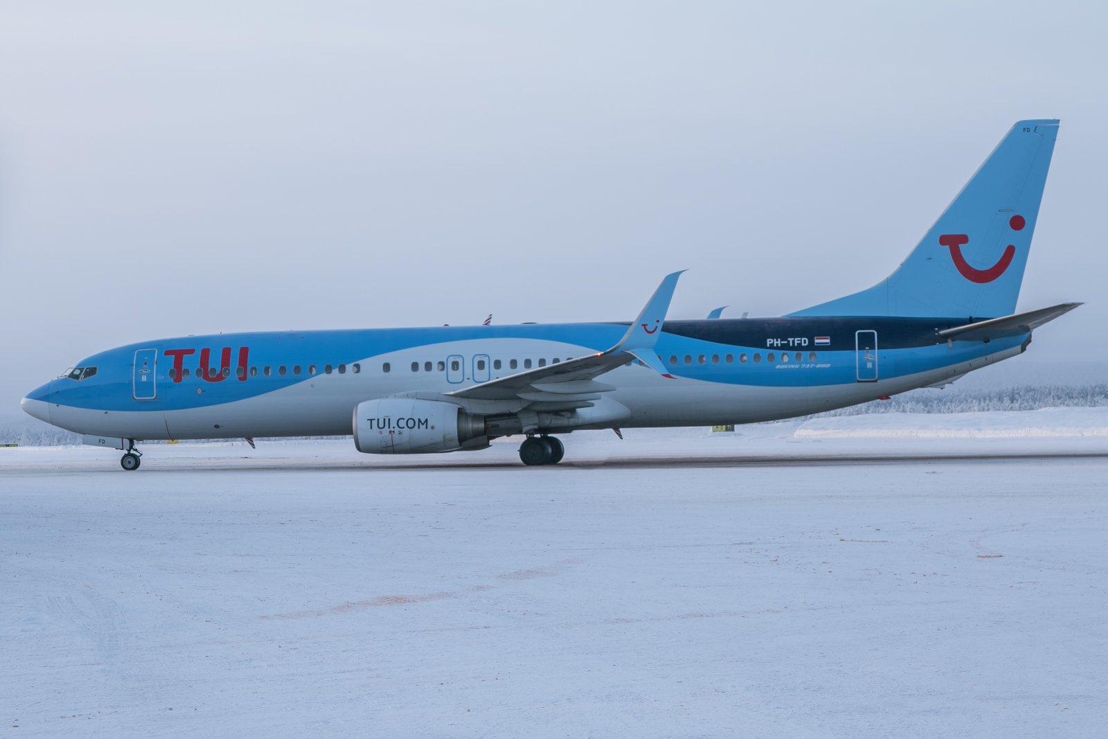 PH-TFD. Boeing 737-86N.