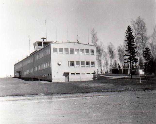 Seutulan lentokentän terminaali 11.5.1958 ©Severi Lauronen.jpg