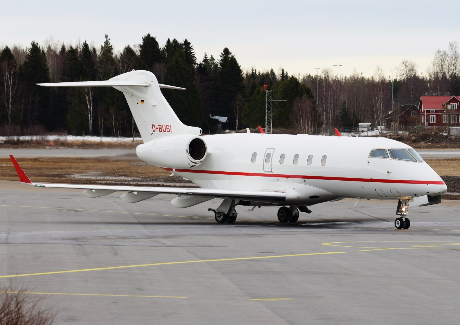 D-BUBI - Bombardier Challenger 300 - Windrose Air - 28.3.2019