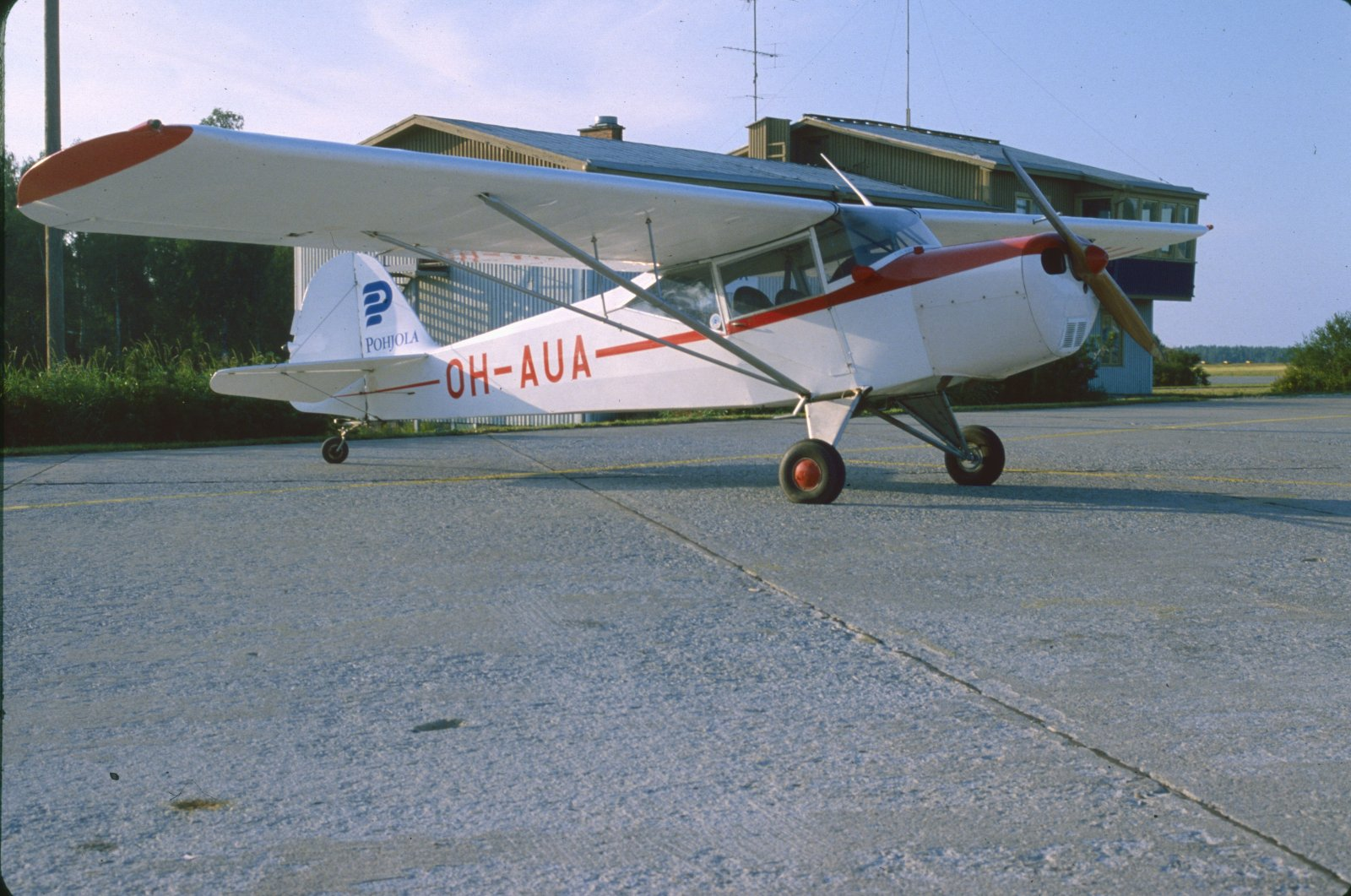 Taylorcraft Auster Mk.5 OH-AUA EFKU 1981