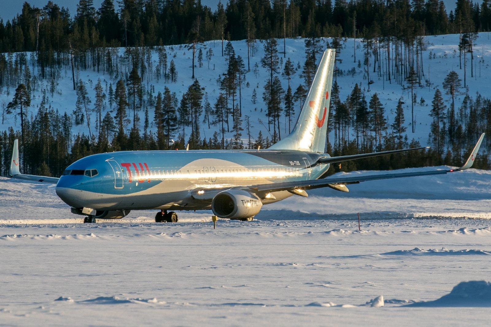 OO-TUX. 16.3.2019. Boeing 737-800.