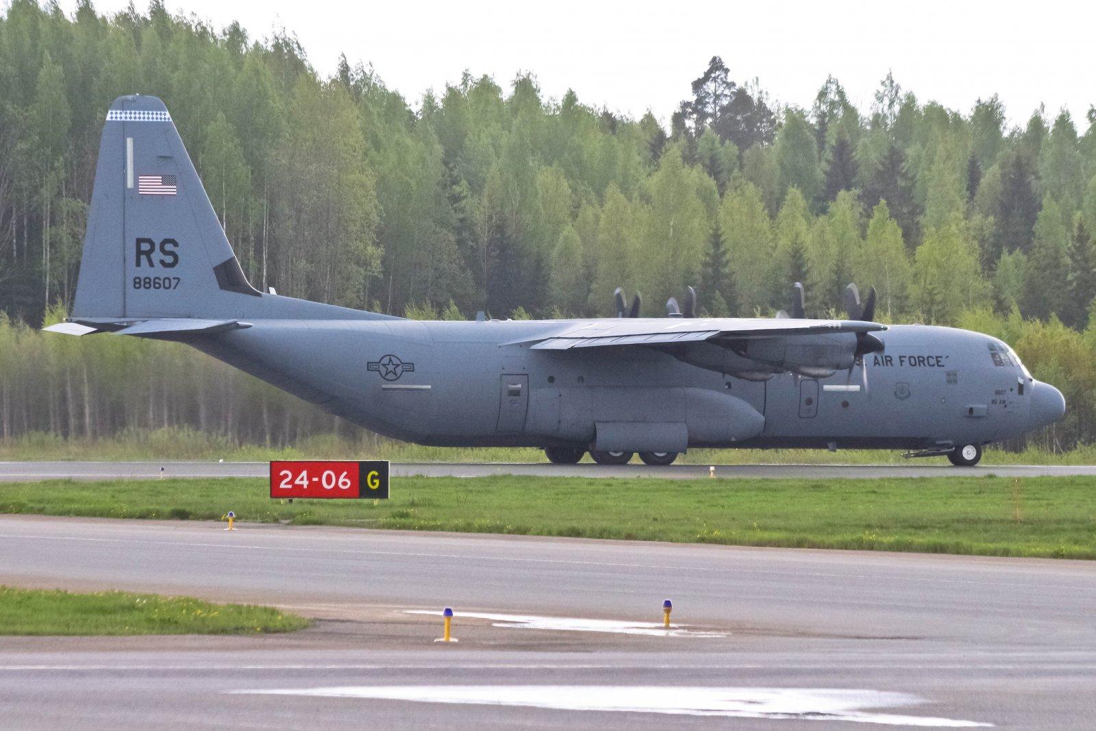 USAF 08-8607 17-05-2016
