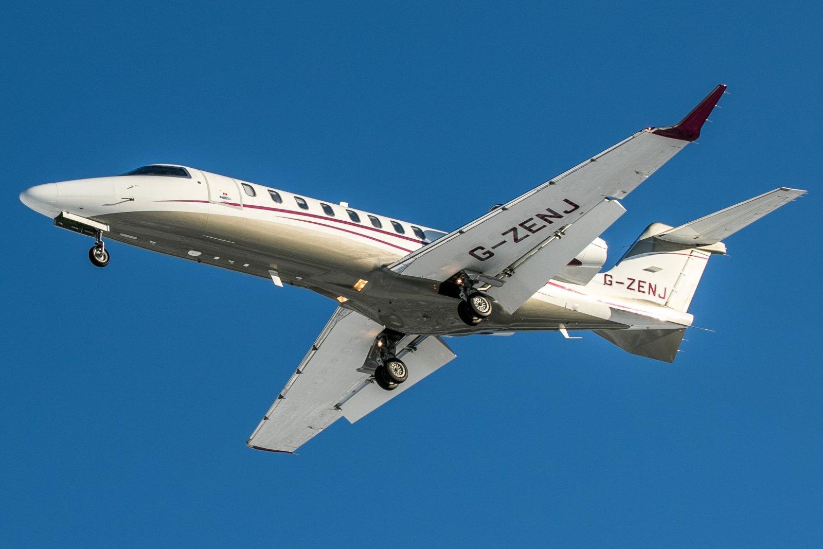G-ZENJ. Bombardier Learjet 75.