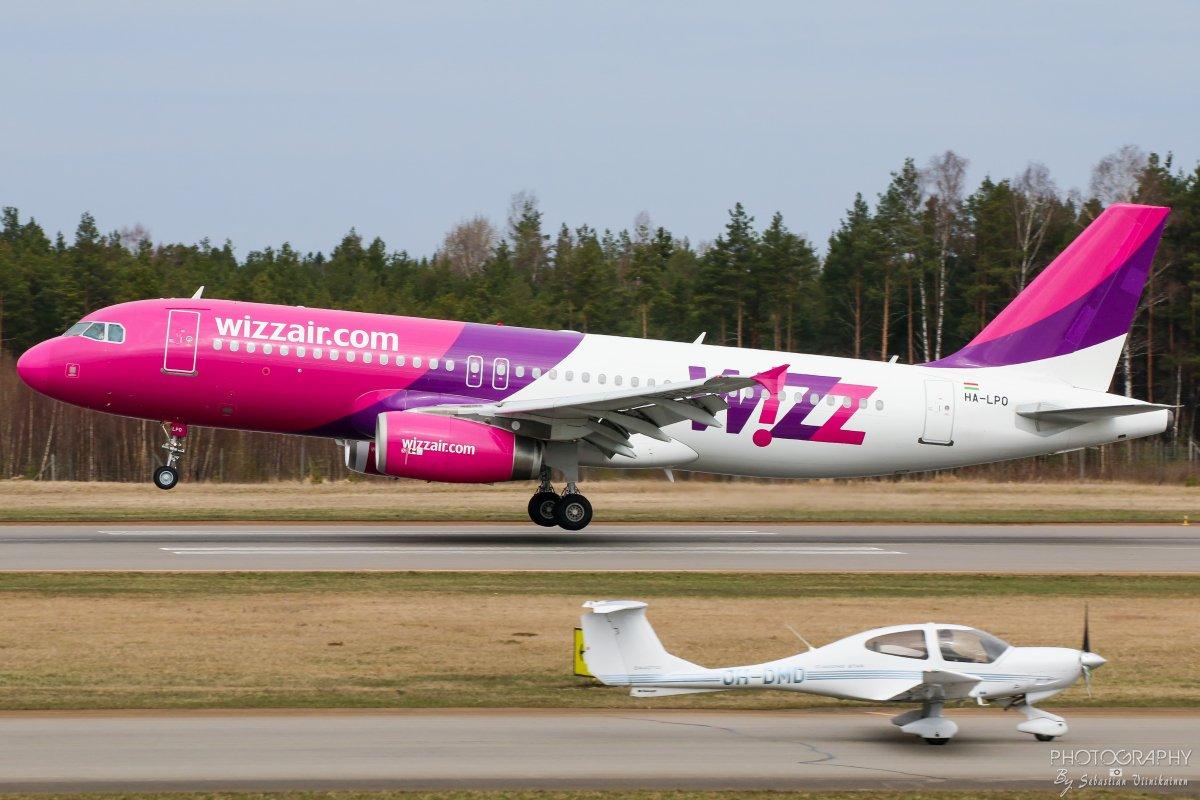HA-LPO Wizz Air A320-200 & OH-DMD