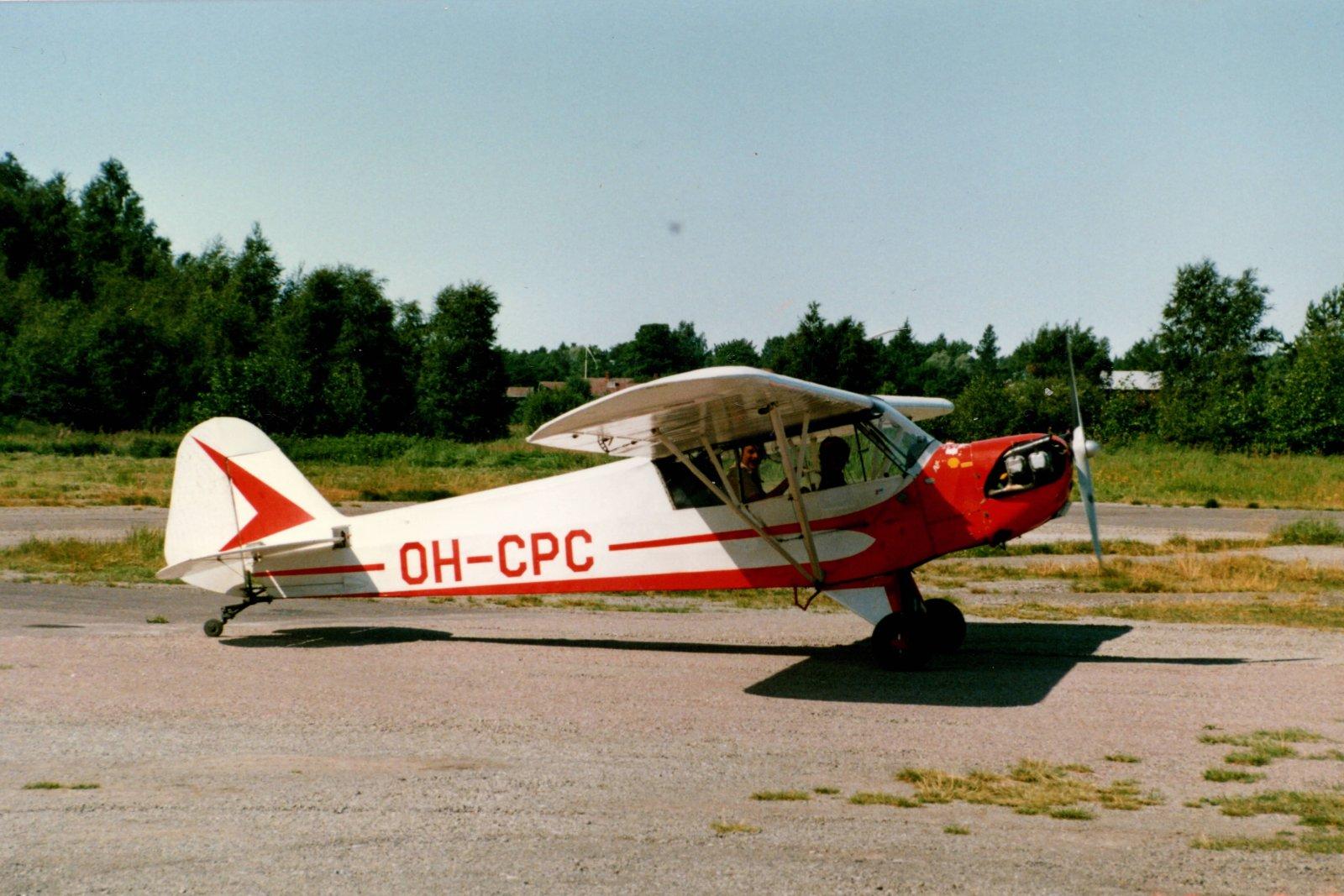 Piper J-3C-65 Cub OH-CPC EFHN 1986-7-27