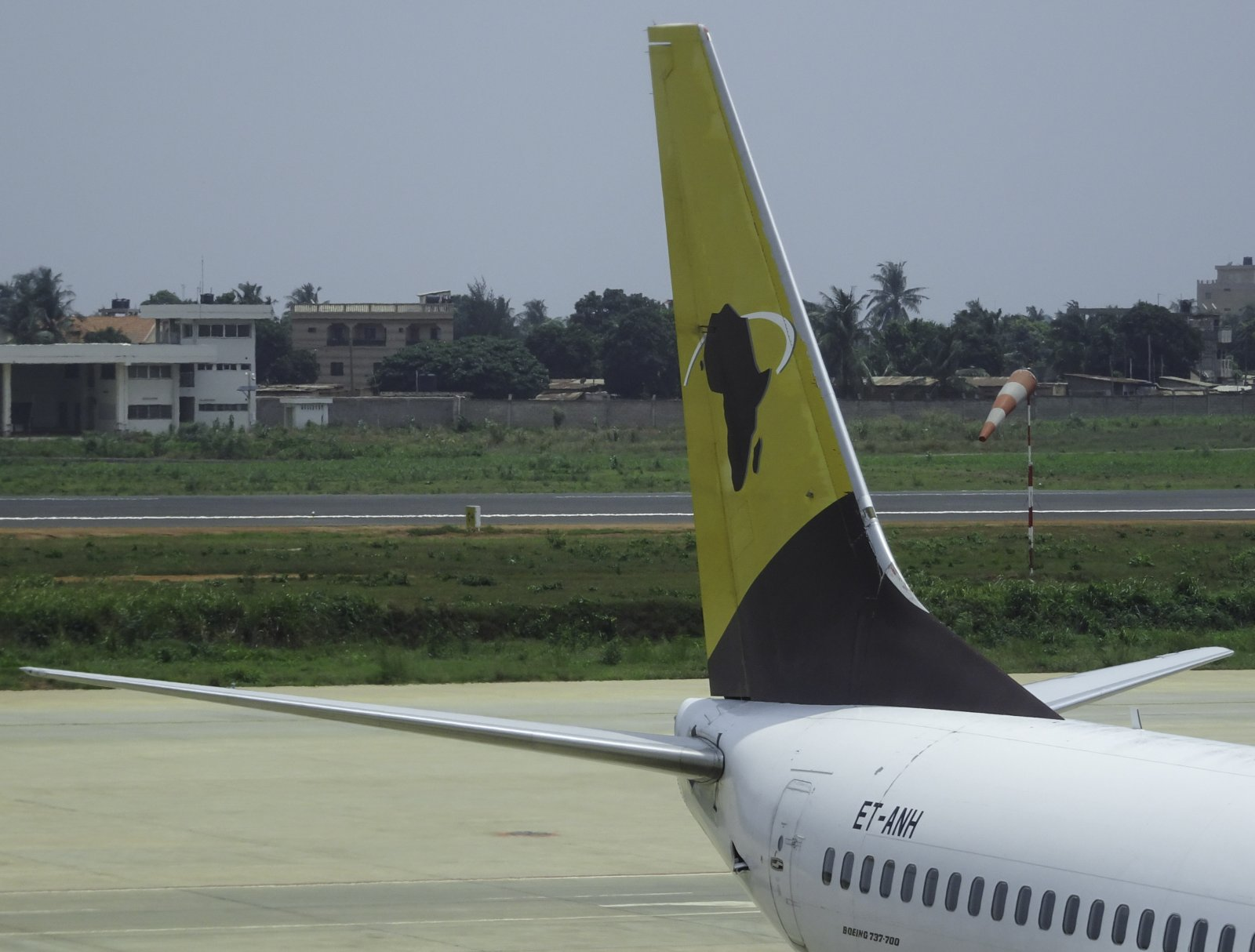 Asky Airlines Boeing 737-7K9 ET-ANH
