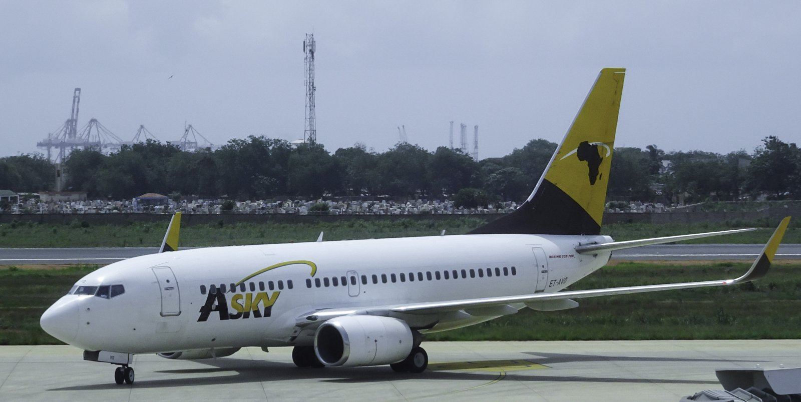 Asky Airlines Boeing 737-752 ET-AVO