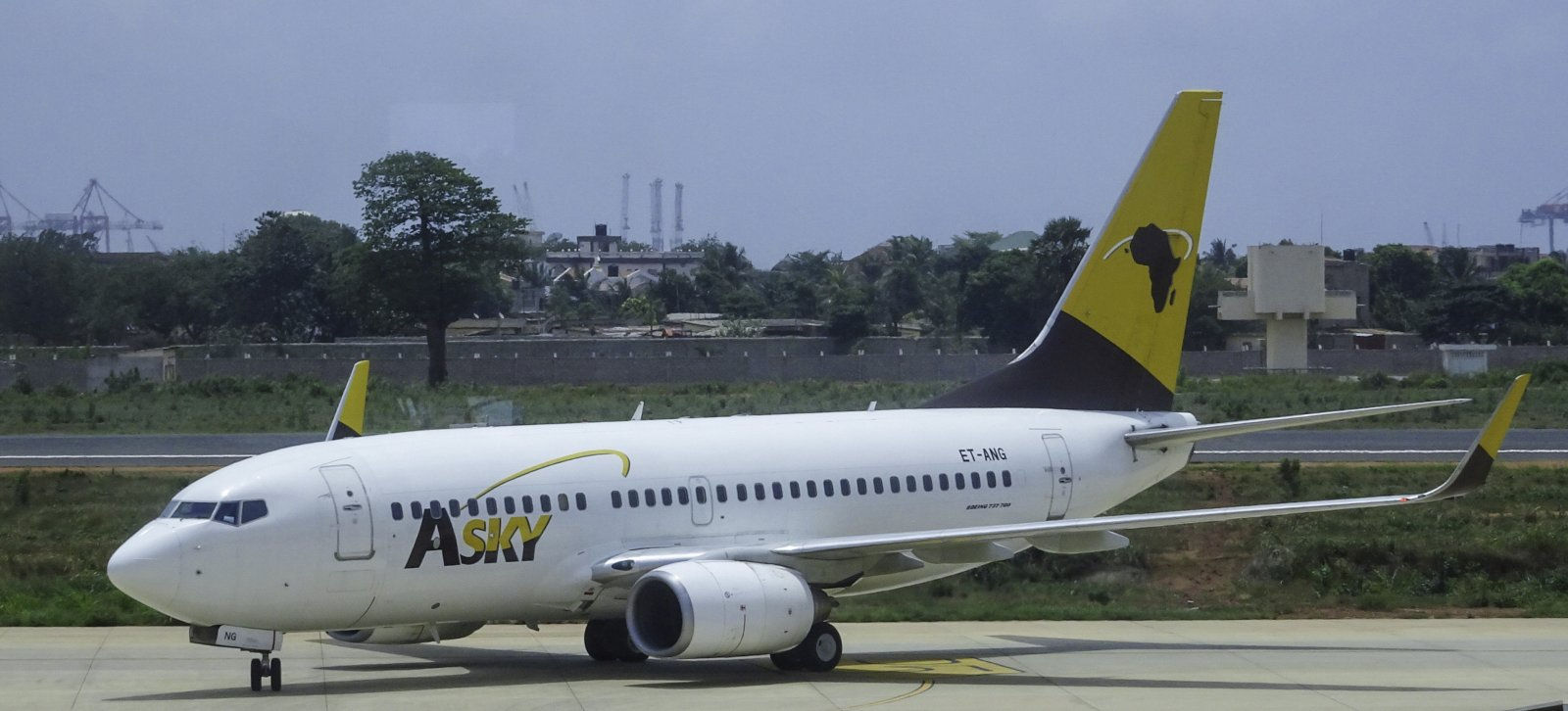 Asky Airlines Boeing 737-7K9 ET-ANG