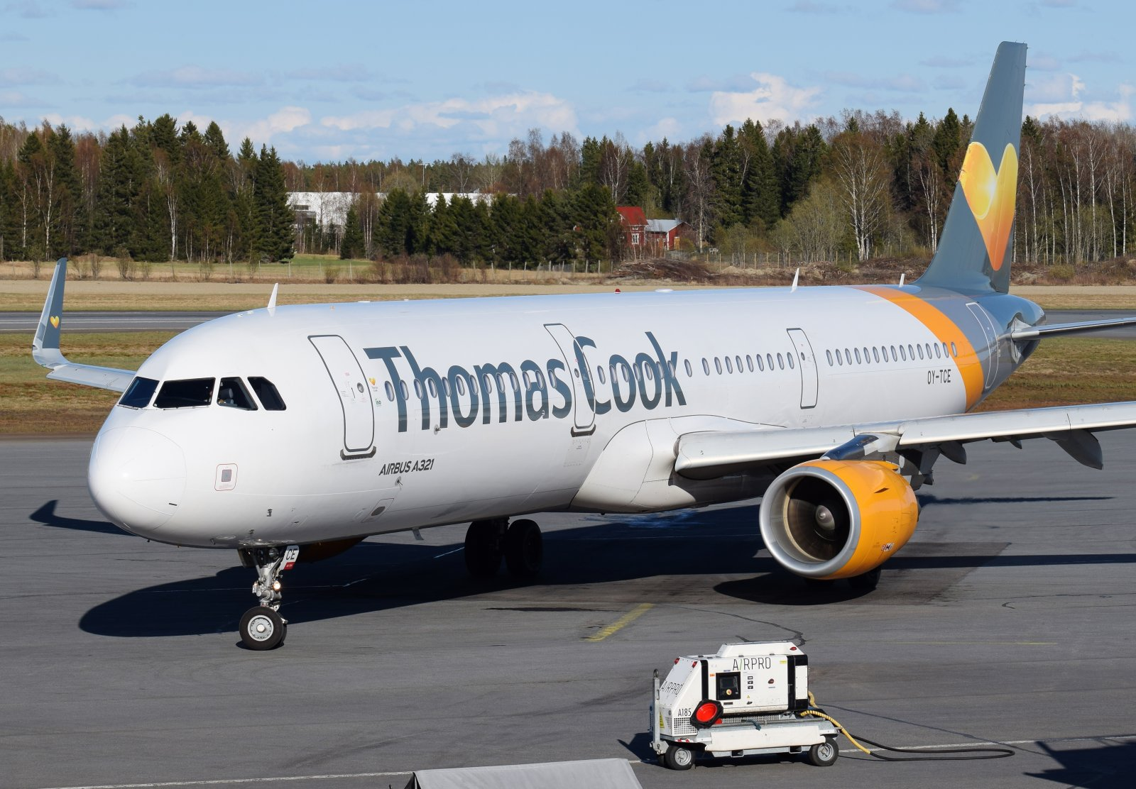 OY-TCE - Airbus A321-211 - Thomas Cook Airlines Scandinavia - 8.5.2019