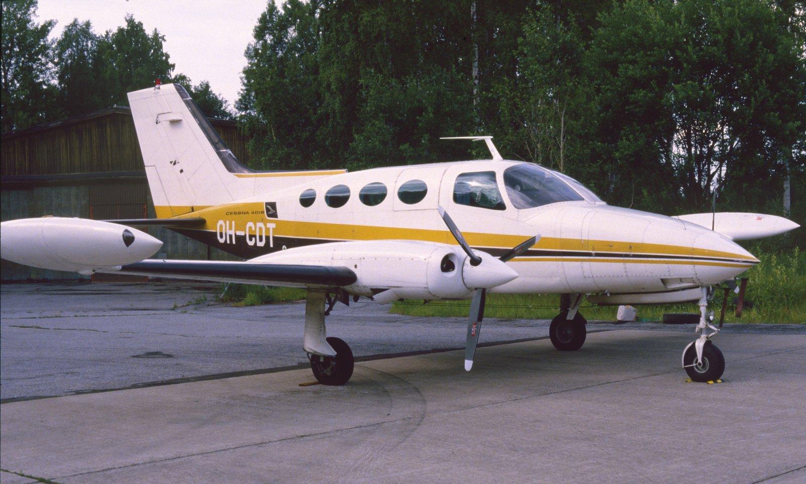 Cessna 401B OH-CDT EFKU 1984.