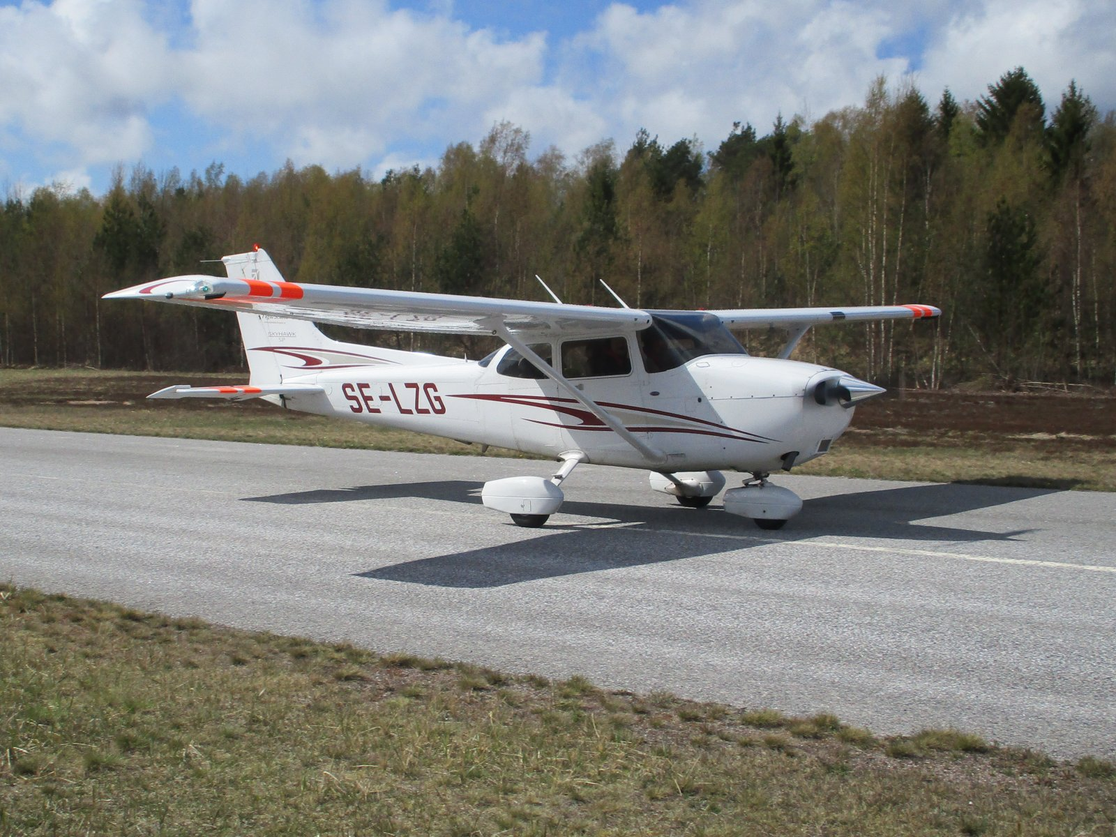 Cessna 172S Skyhawk SP SE-LZG EFHN 2019-05-07