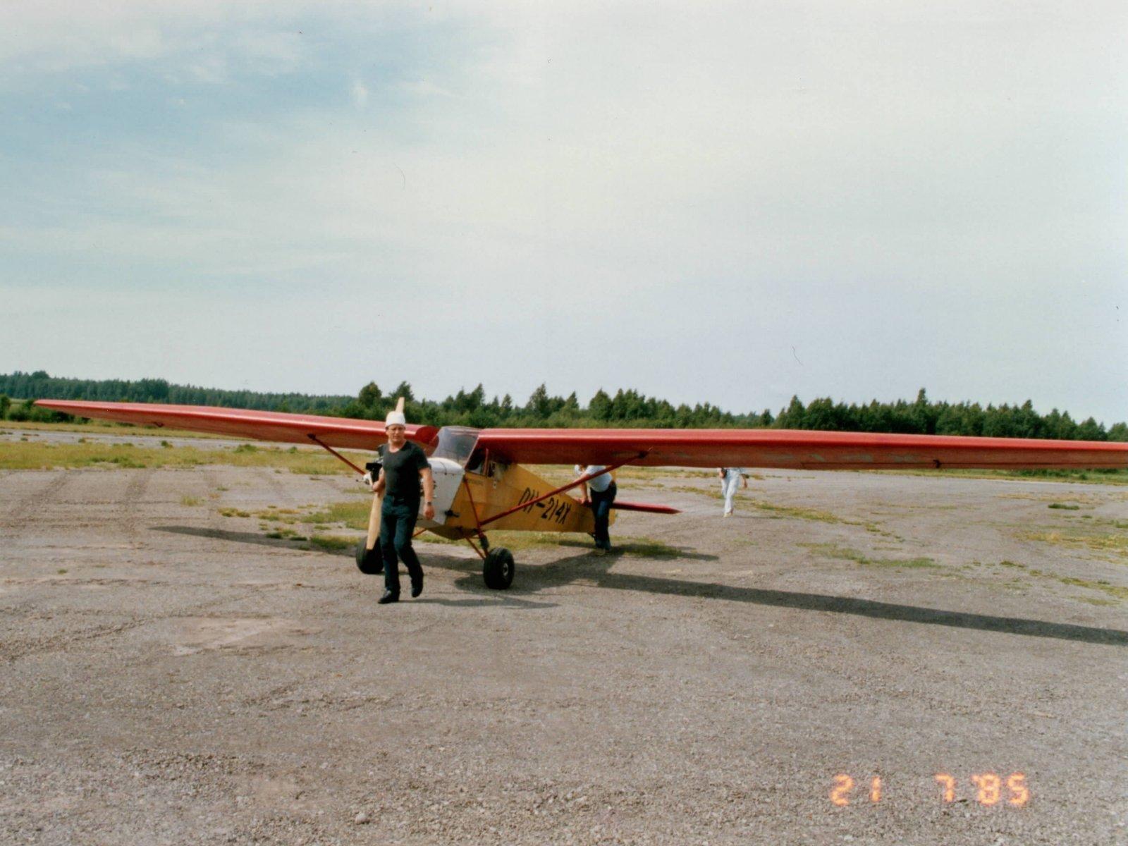 Schleicher Ka-4 Rhönlerche II / Moottori-Lerche OH-214X EFHN 1985-07-21