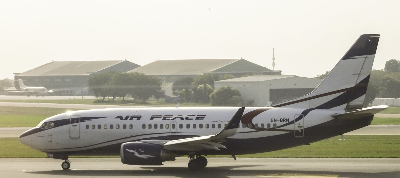 Air Peace Boeing 737-528 5N-BRN