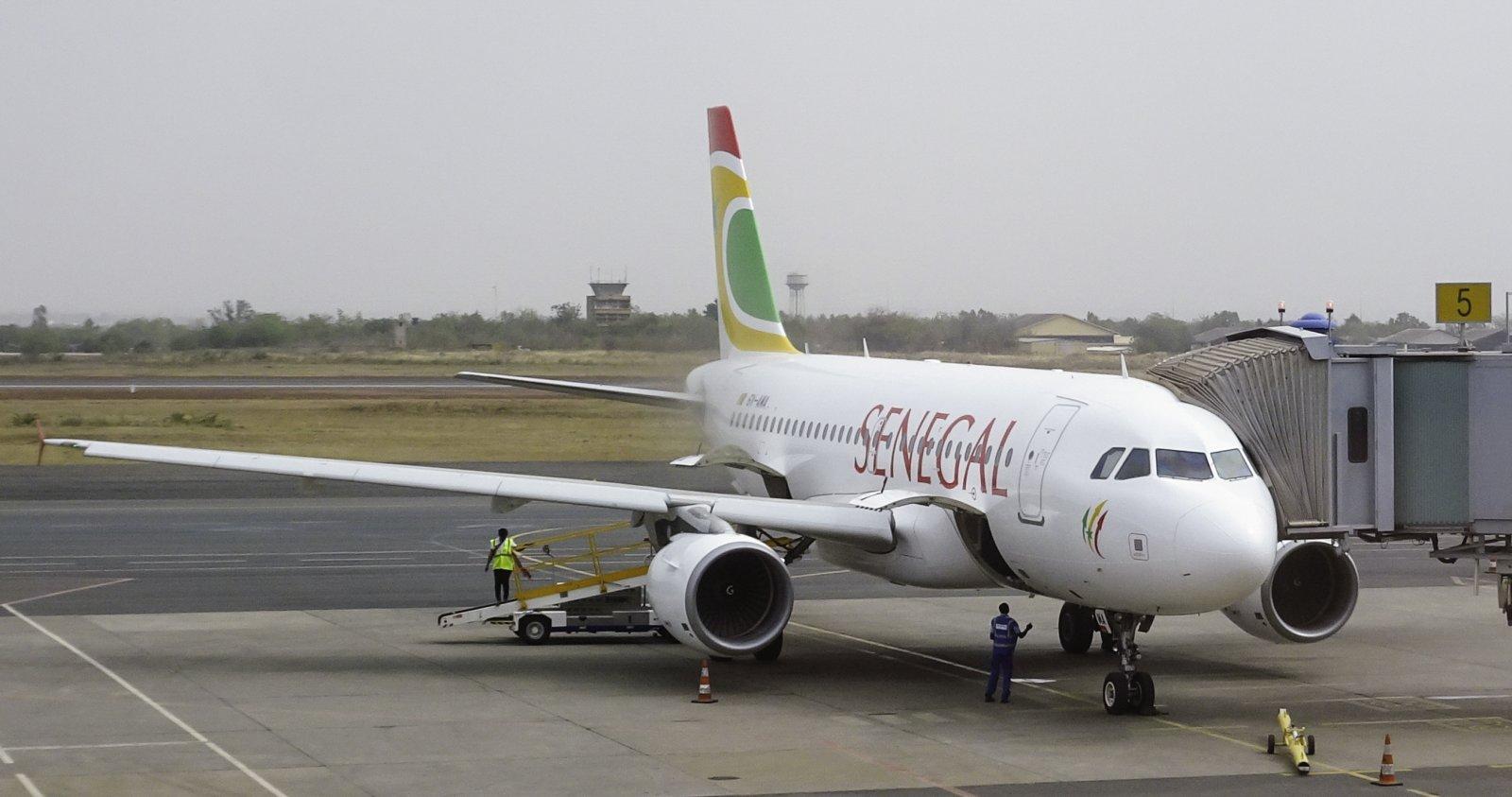 Air Senegal Boeing 737-319-112 6V-AMA
