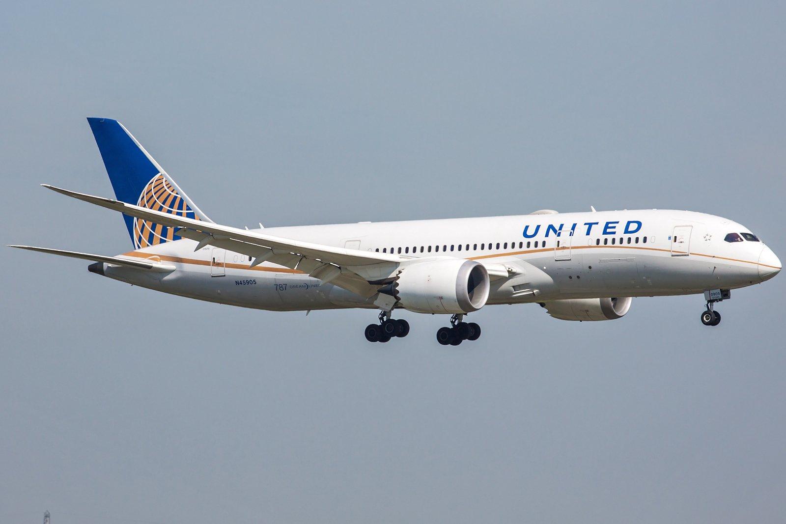 United Airlines Boeing 787-8 Dreamliner N45905