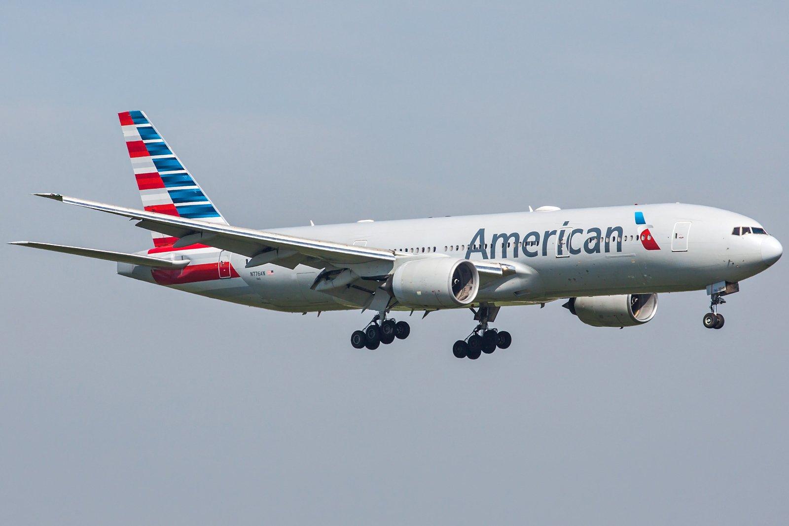American Airlines Boeing 777-223(ER) N776AN