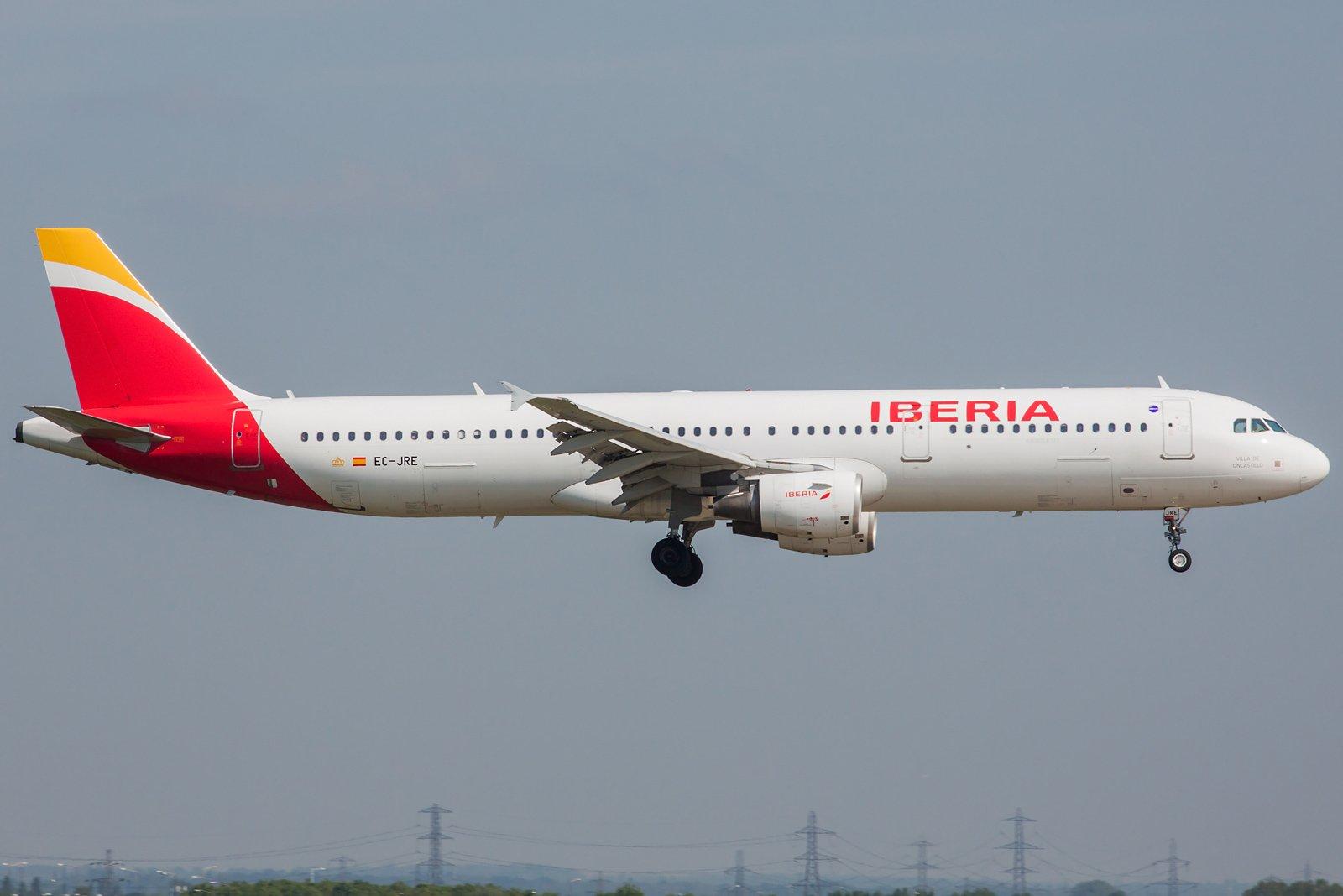 Iberia Airbus A321-212 EC-JRE