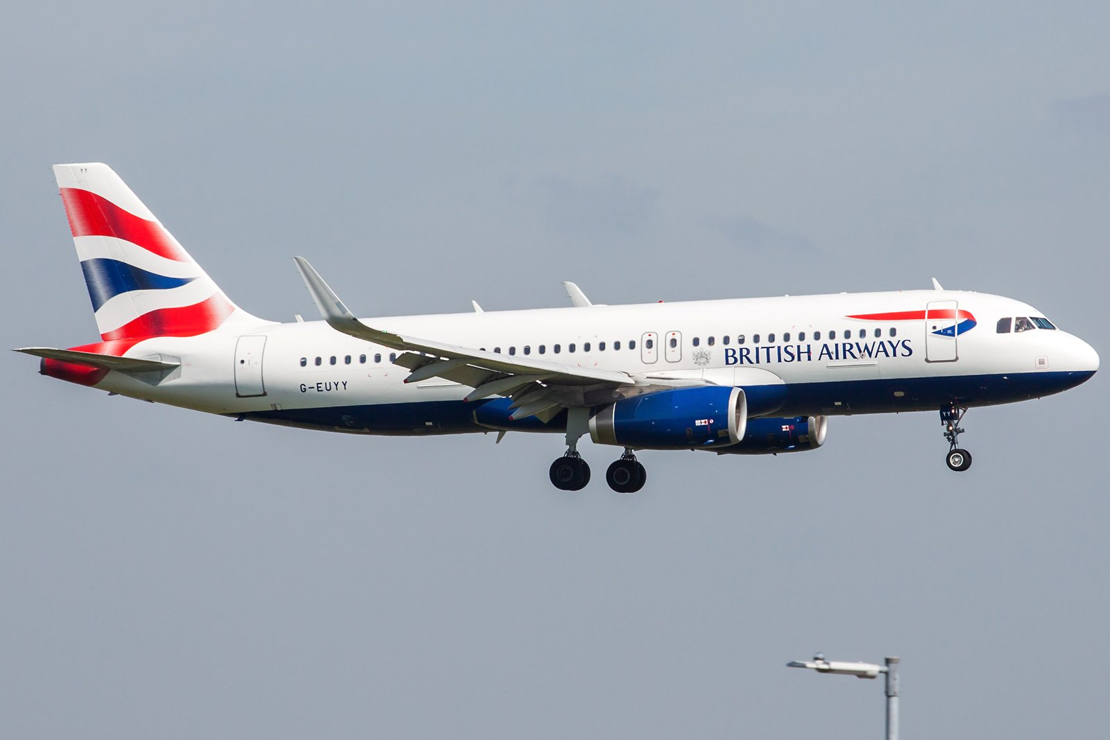 British Airways Airbus A320-232(WL) G-EUYY