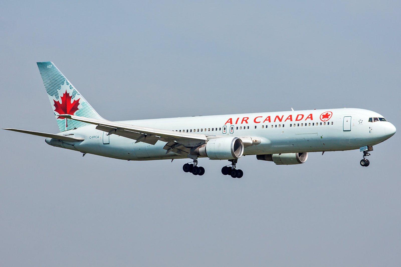 Air Canada Boeing 767-375(ER) C-FPCA