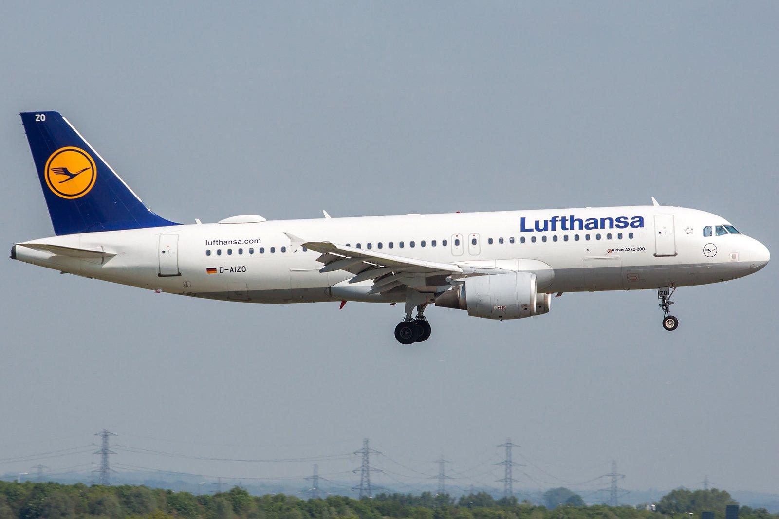 Lufthansa Airbus A320-214 D-AIZO
