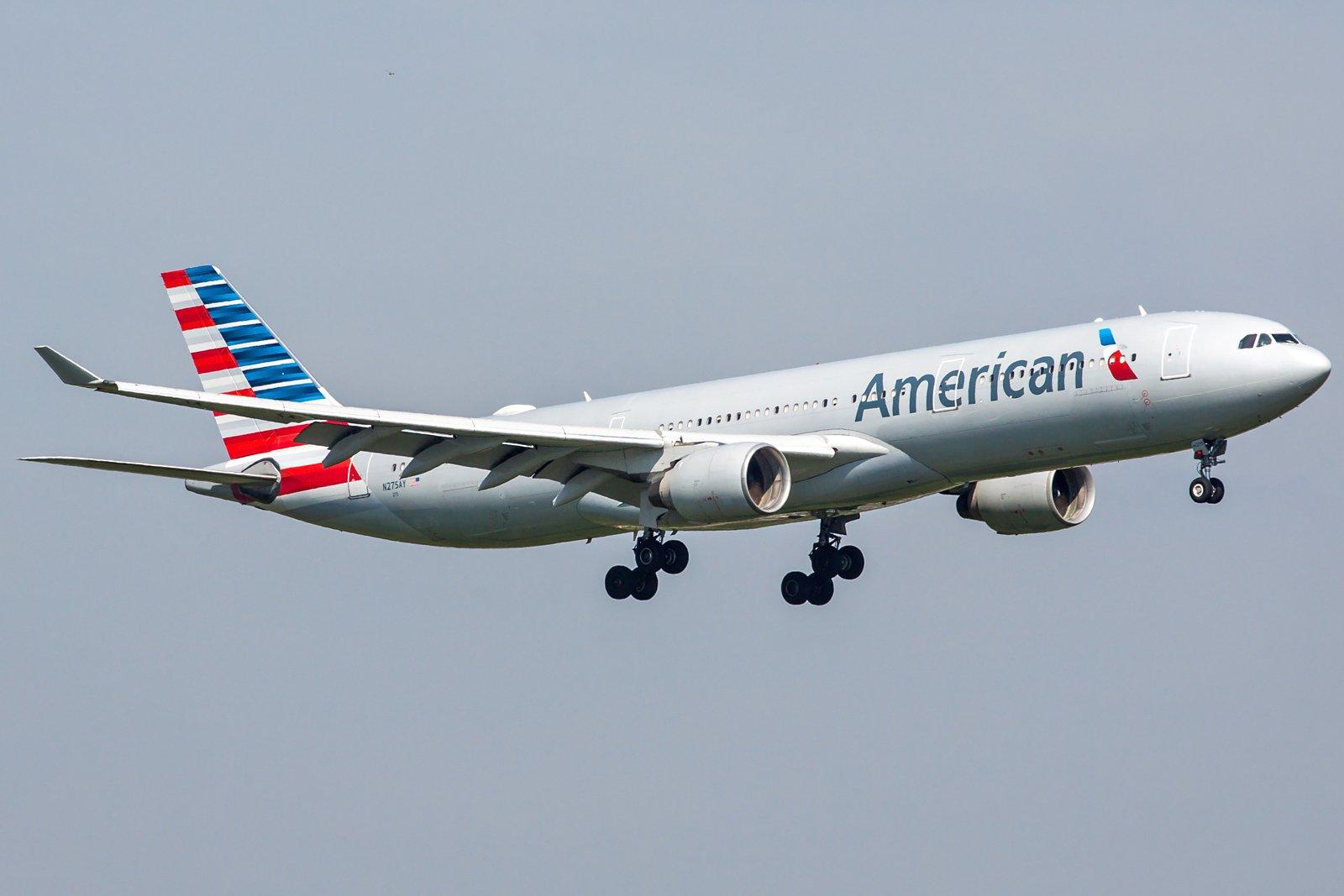 American Airlines Airbus A330-323 N275AY