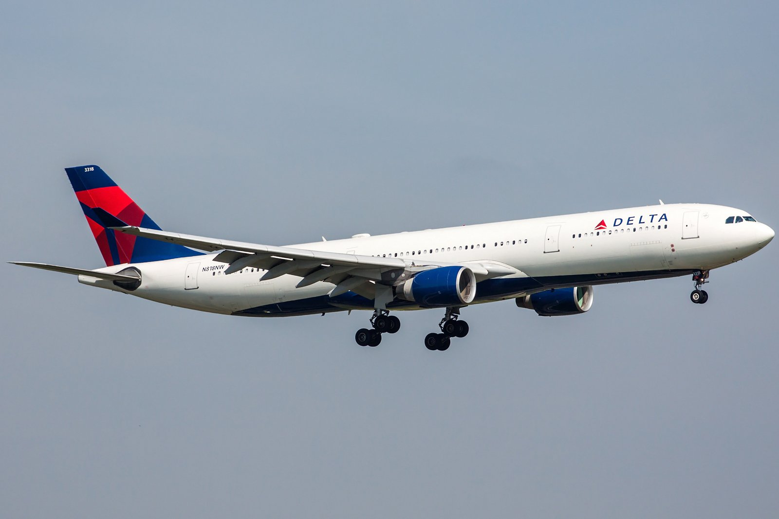 Delta Air Lines Airbus A330-323 N818NW