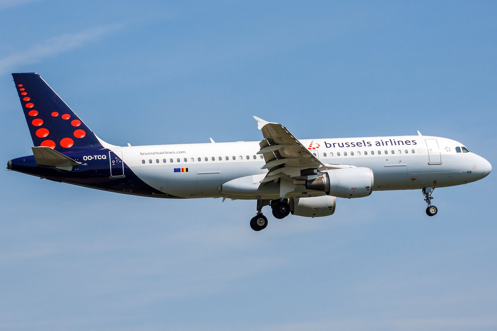 Brussels Airlines Airbus A320-214 OO-TCQ