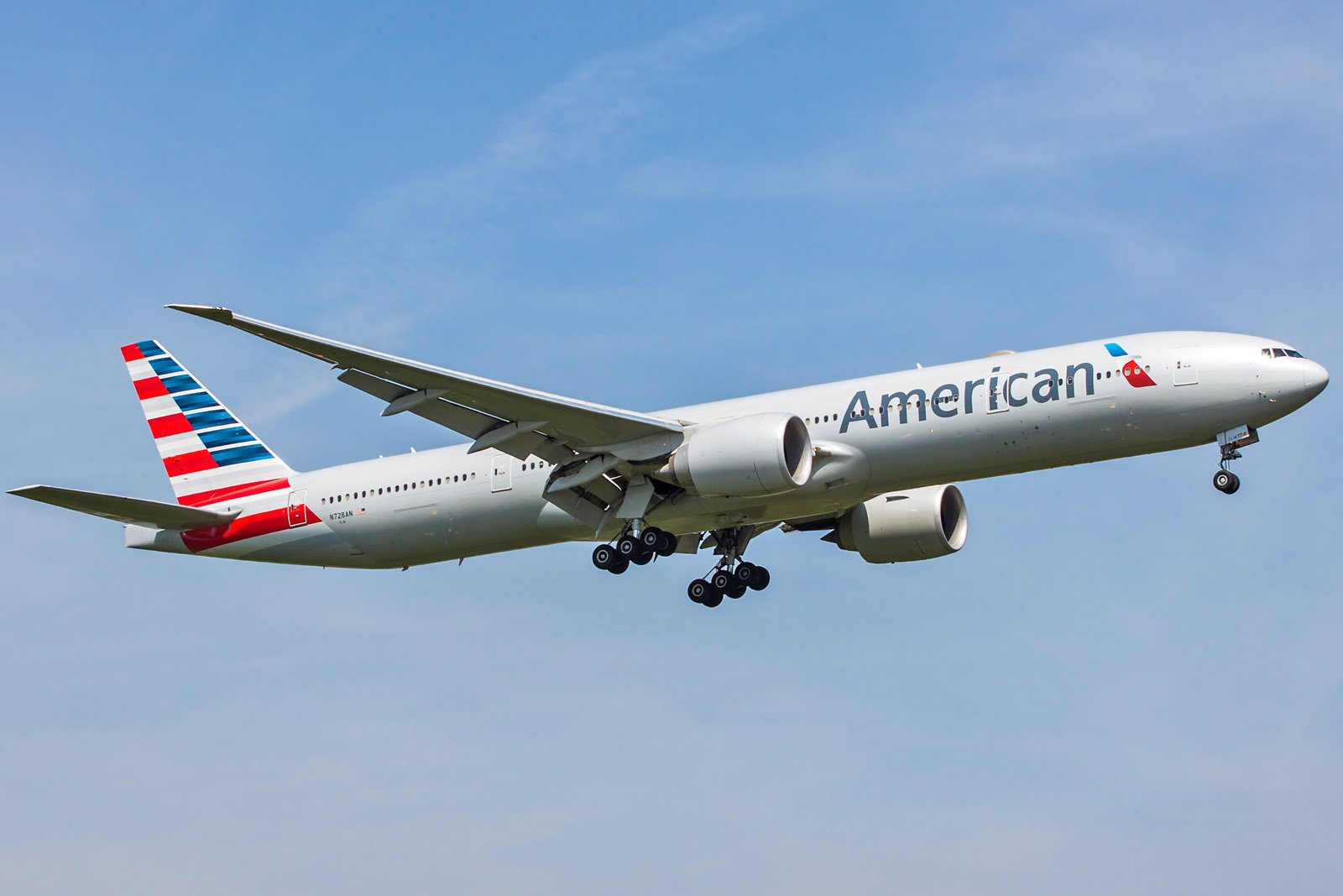 American Airlines Boeing 777-323(ER) N728AN