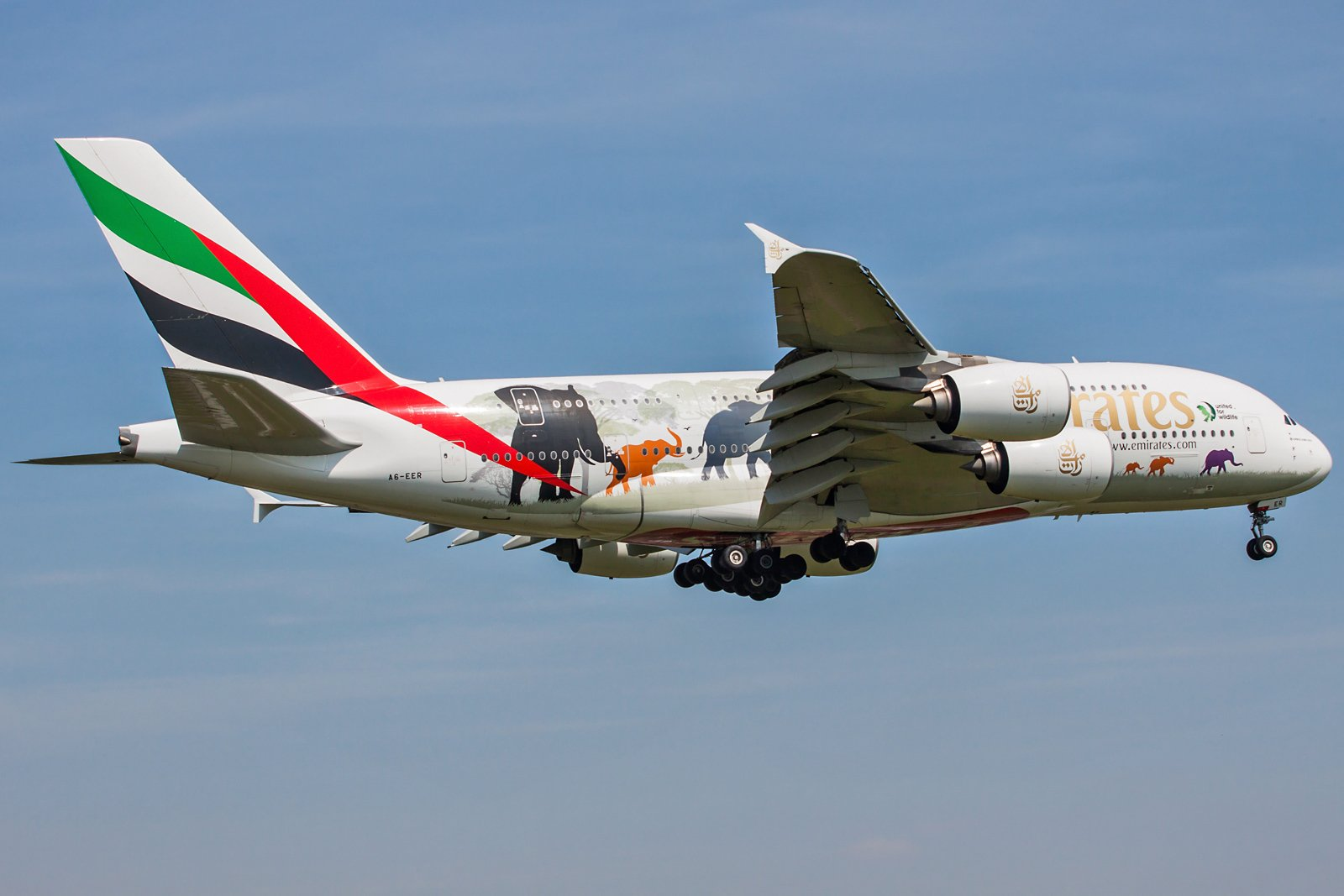 Emirates Airbus A380-861 A6-EER