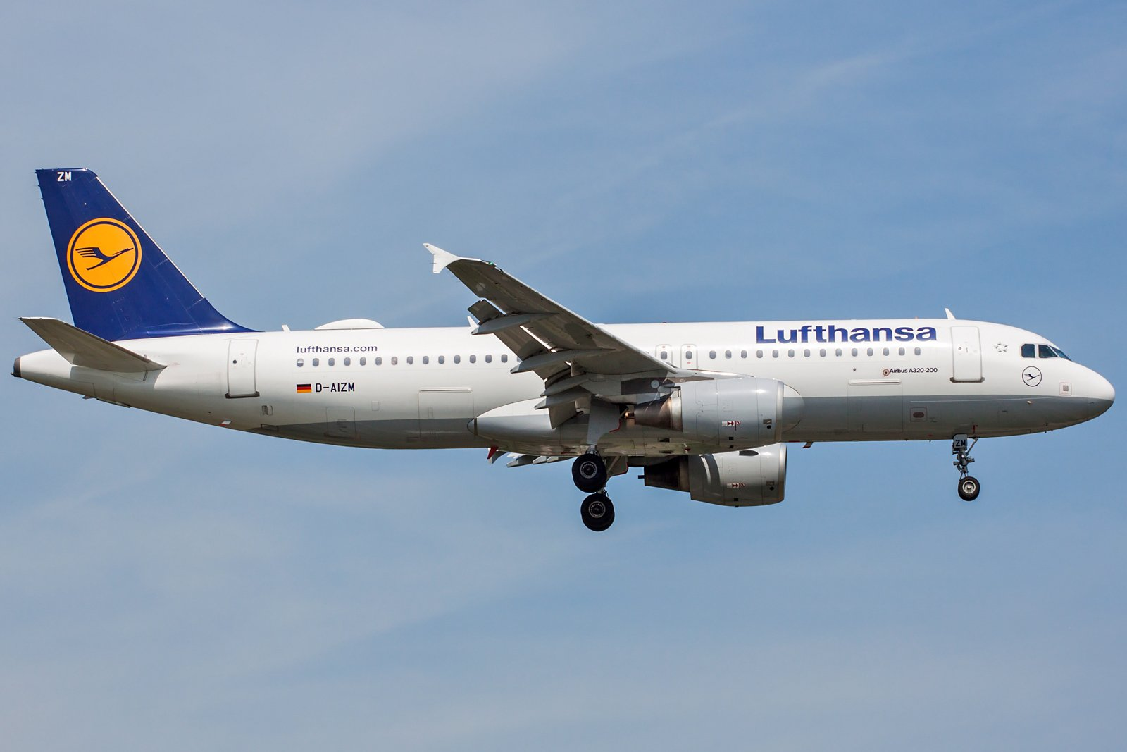 Lufthansa Airbus A320-214 D-AIZM