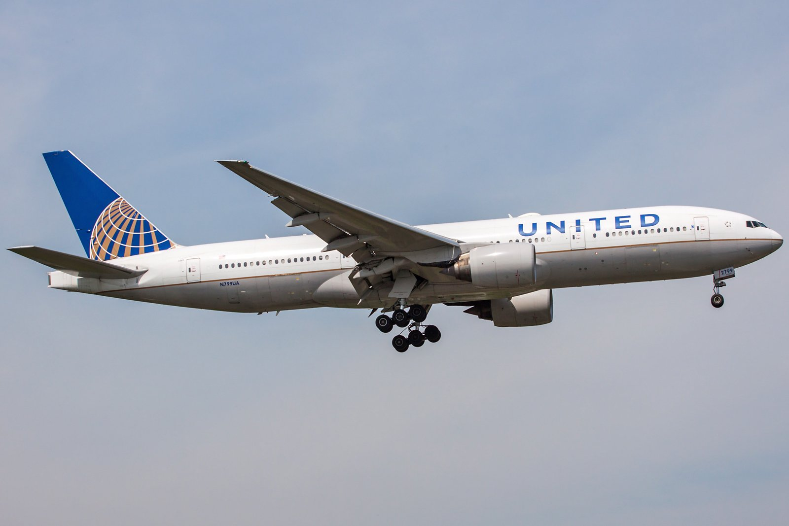 United Airlines Boeing 777-222(ER) N799UA