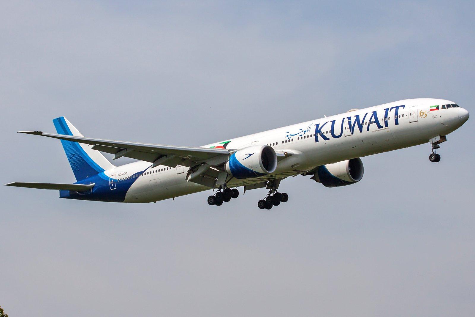 Kuwait Airways Boeing 777-369(ER) 9K-AOC