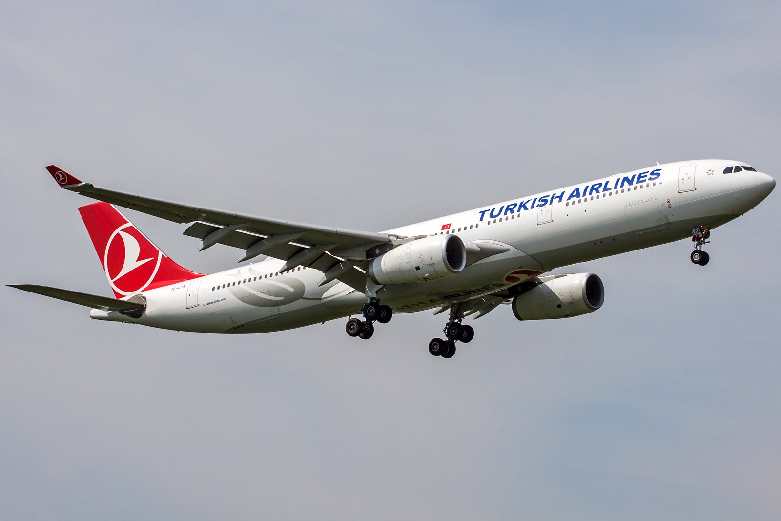 Turkish Airlines Airbus A330-343 TC-LOA