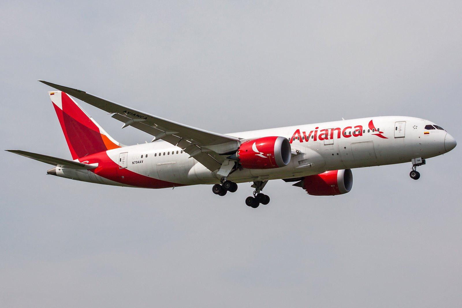 Avianca Boeing 787-8 Dreamliner N794AV