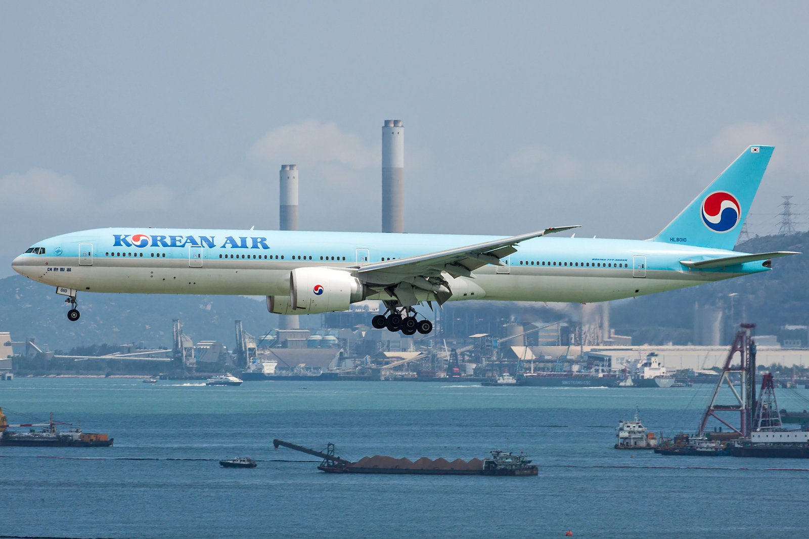 Korean Air Lines Boeing 777-3B5(ER) HL8010