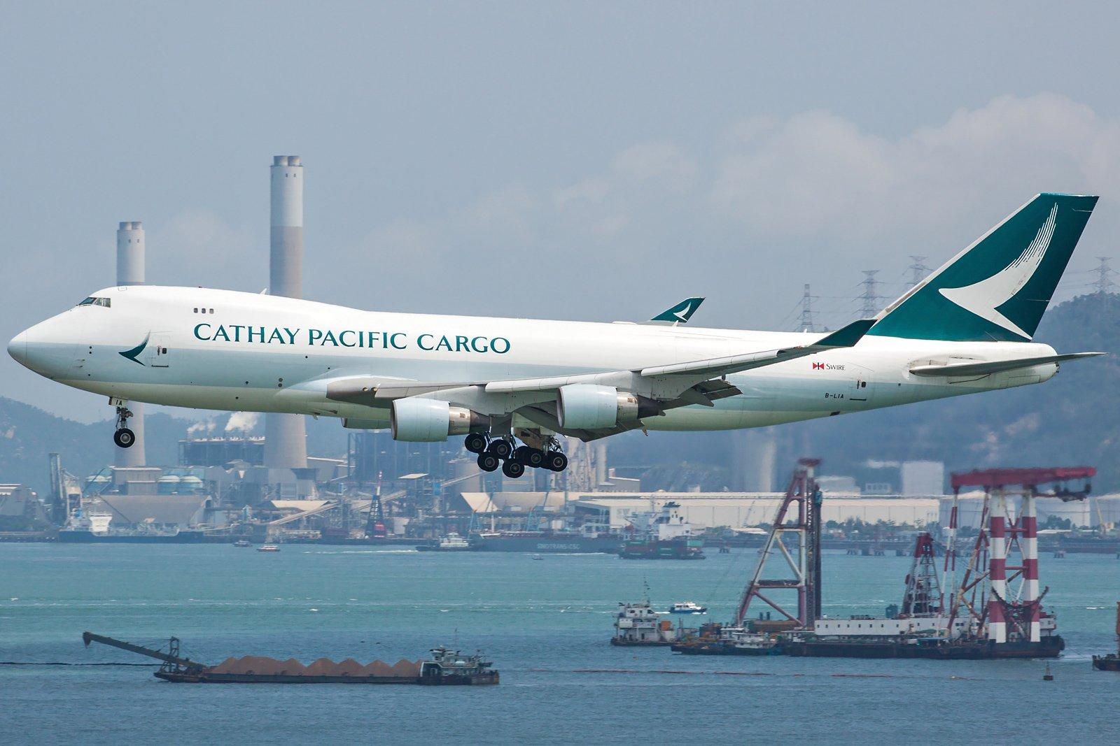 Cathay Pacific Boeing 747-467F(ER) B-LIA