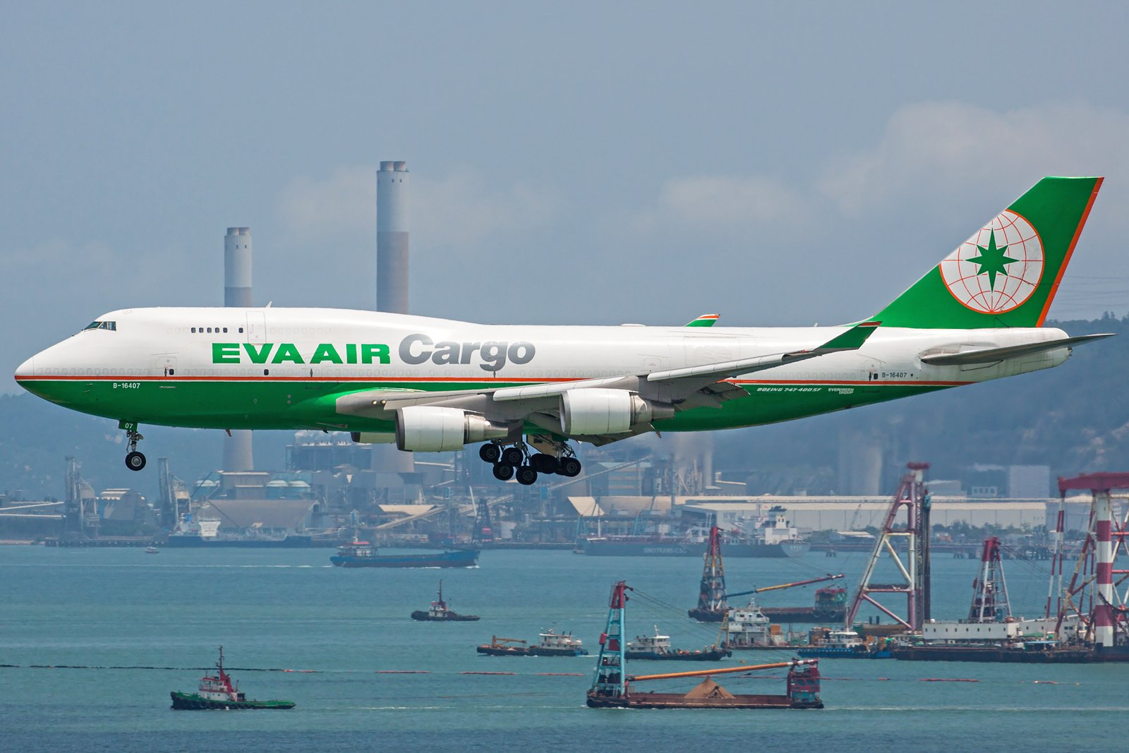 EVA Airways Boeing 747-45E(BDSF) B-16407