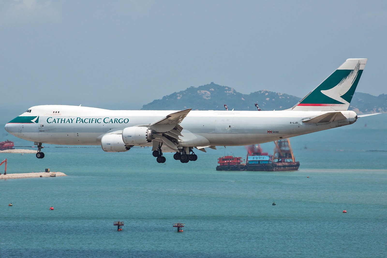 Cathay Pacific Boeing 747-867F B-LJD