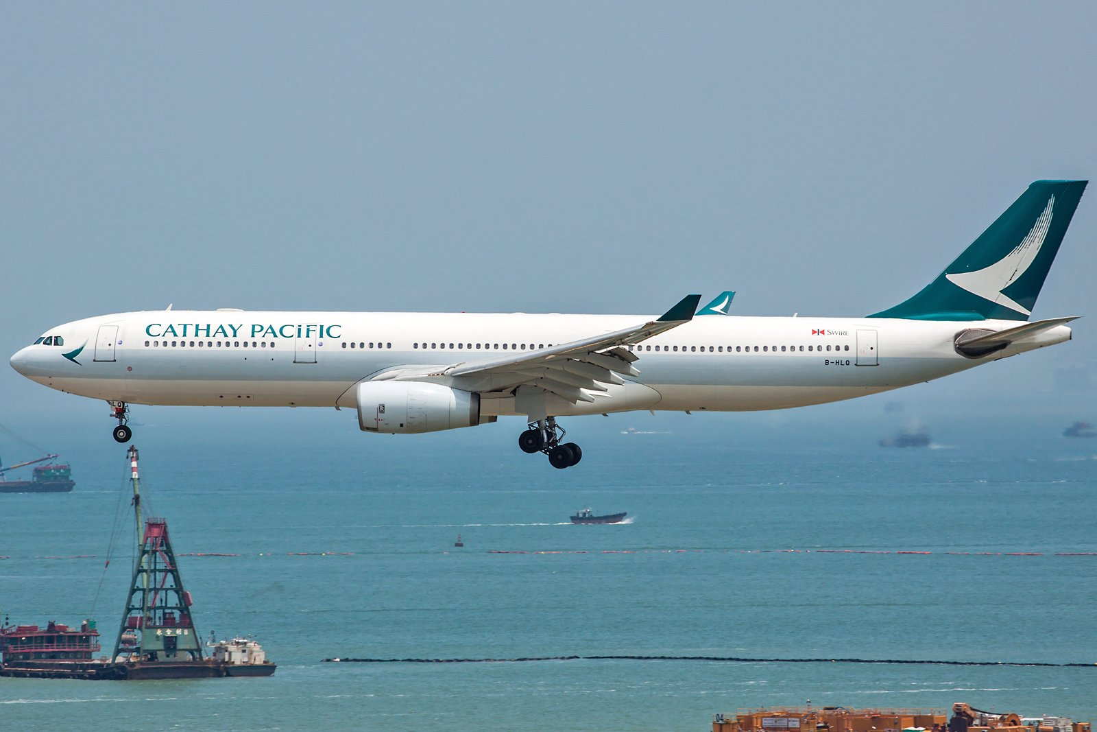 Cathay Pacific Airbus A330-343 B-HLQ