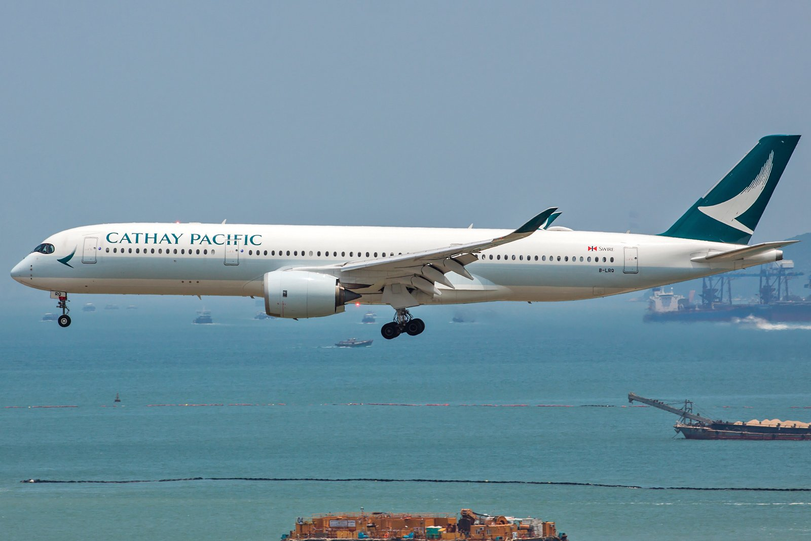 Cathay Pacific Airbus A350-941 B-LRQ