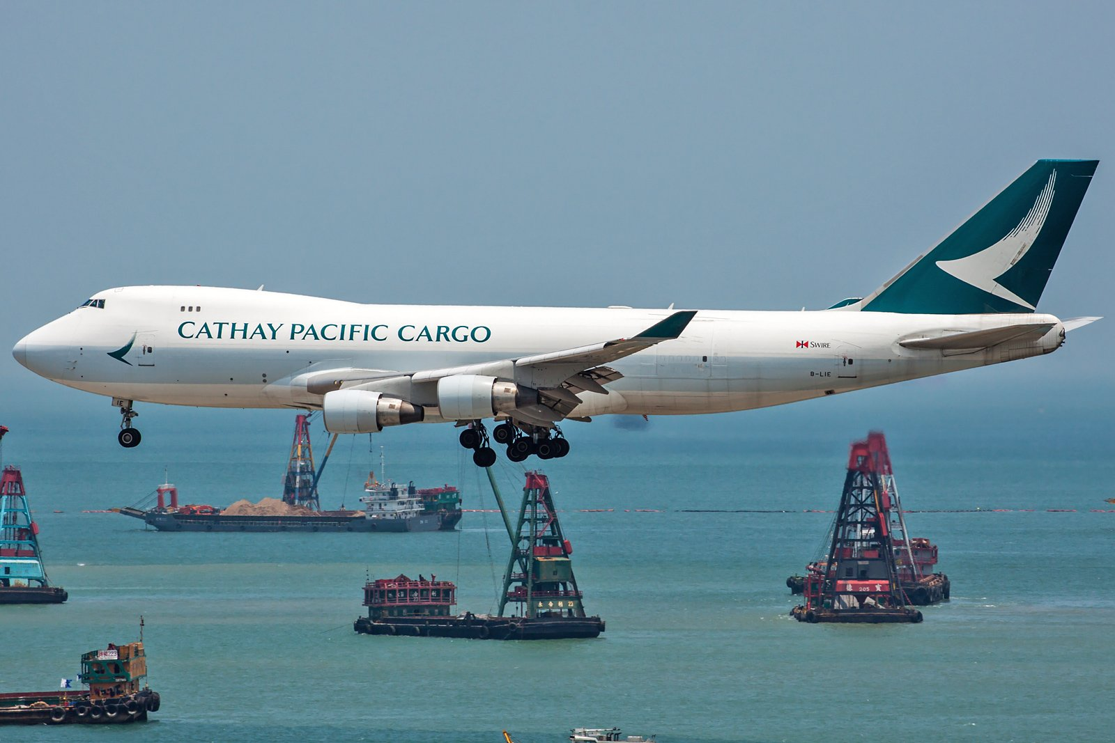 Cathay Pacific Boeing 747-467F(ER) B-LIE