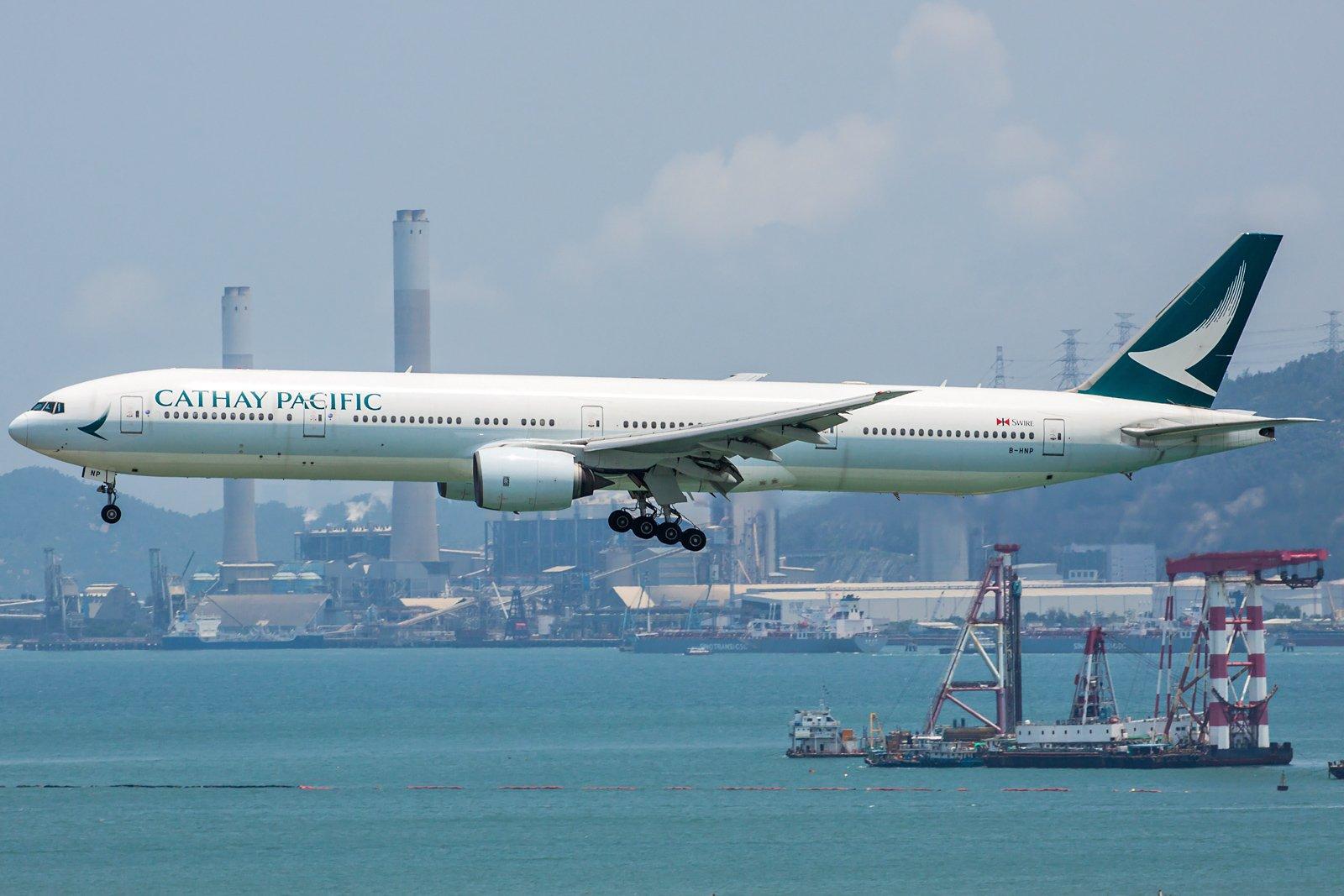 Cathay Pacific Boeing 777-367 B-HNP