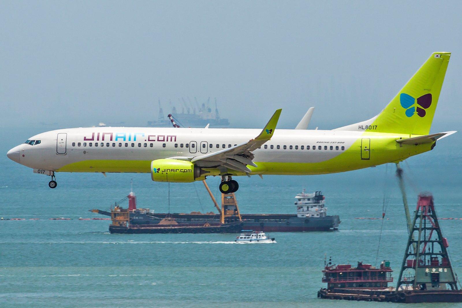 Jin Air Boeing 737-8SH(WL) HL8017