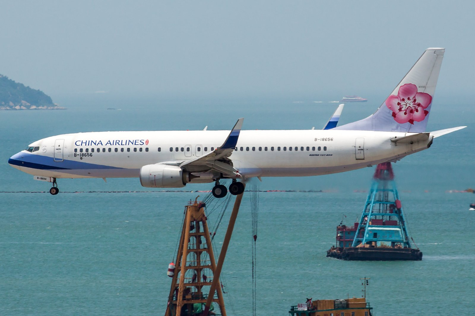 China Airlines Boeing 737-8MA(WL) B-18656