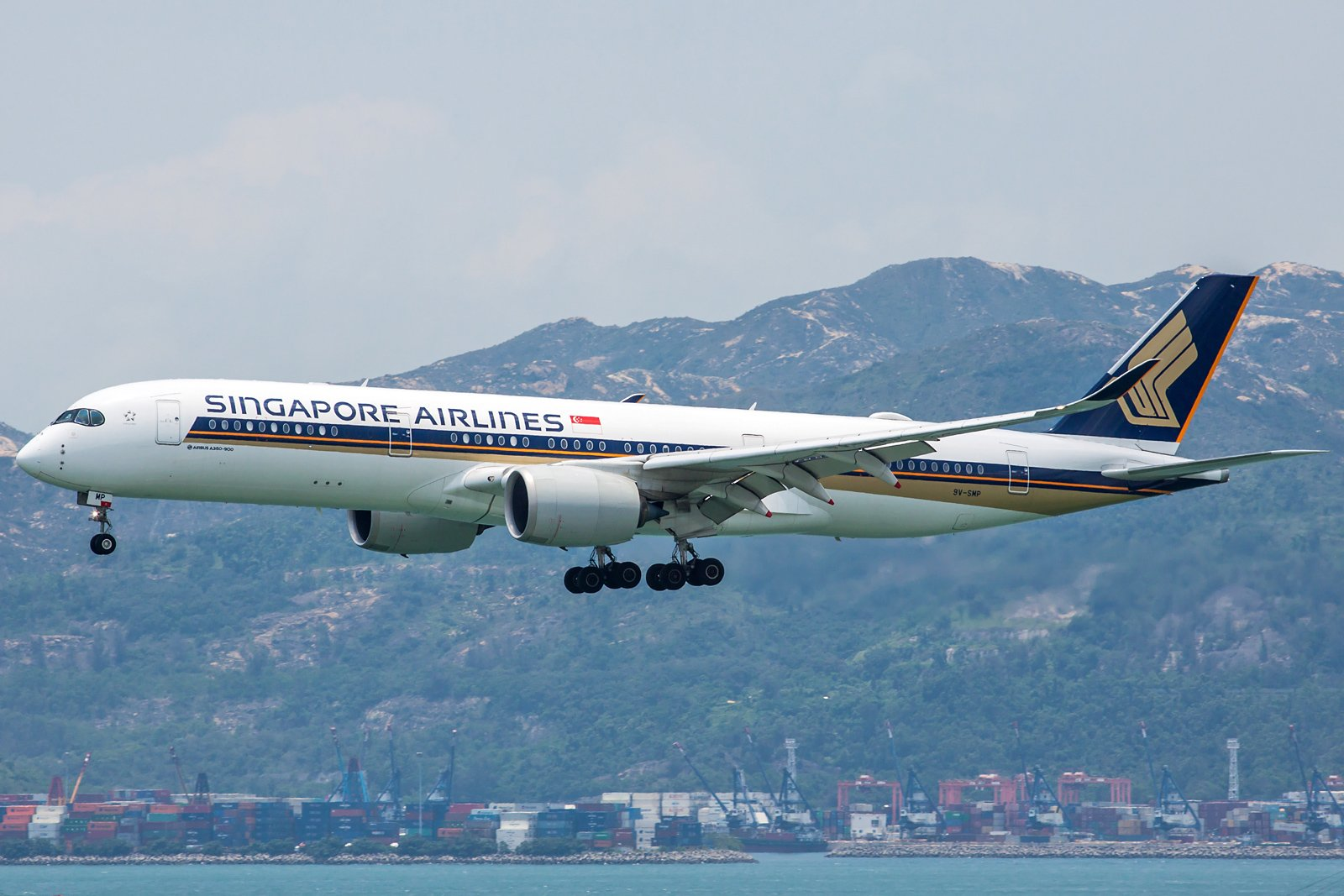 Singapore Airlines Airbus A350-941 9V-SMP