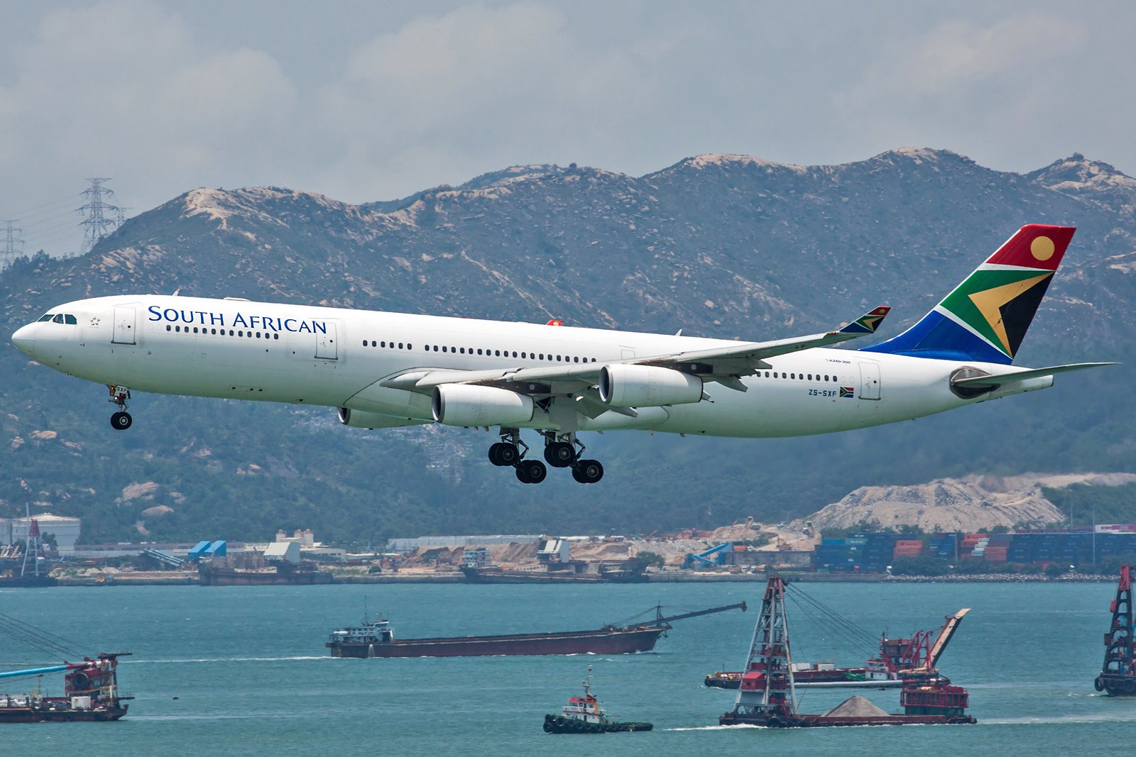 South African Airways Airbus A340-313 ZS-SXF