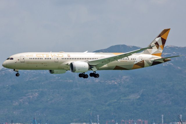 Etihad Airways Boeing 787-9 Dreamliner A6-BLI