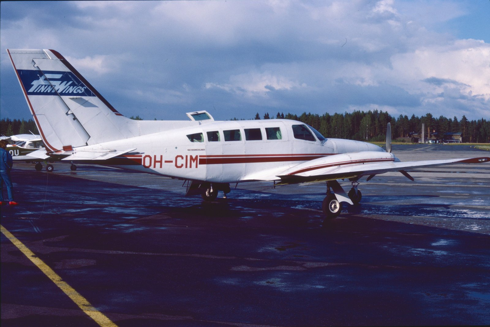 Cessna 402 Businessliner OH-CIM EFKU 1988