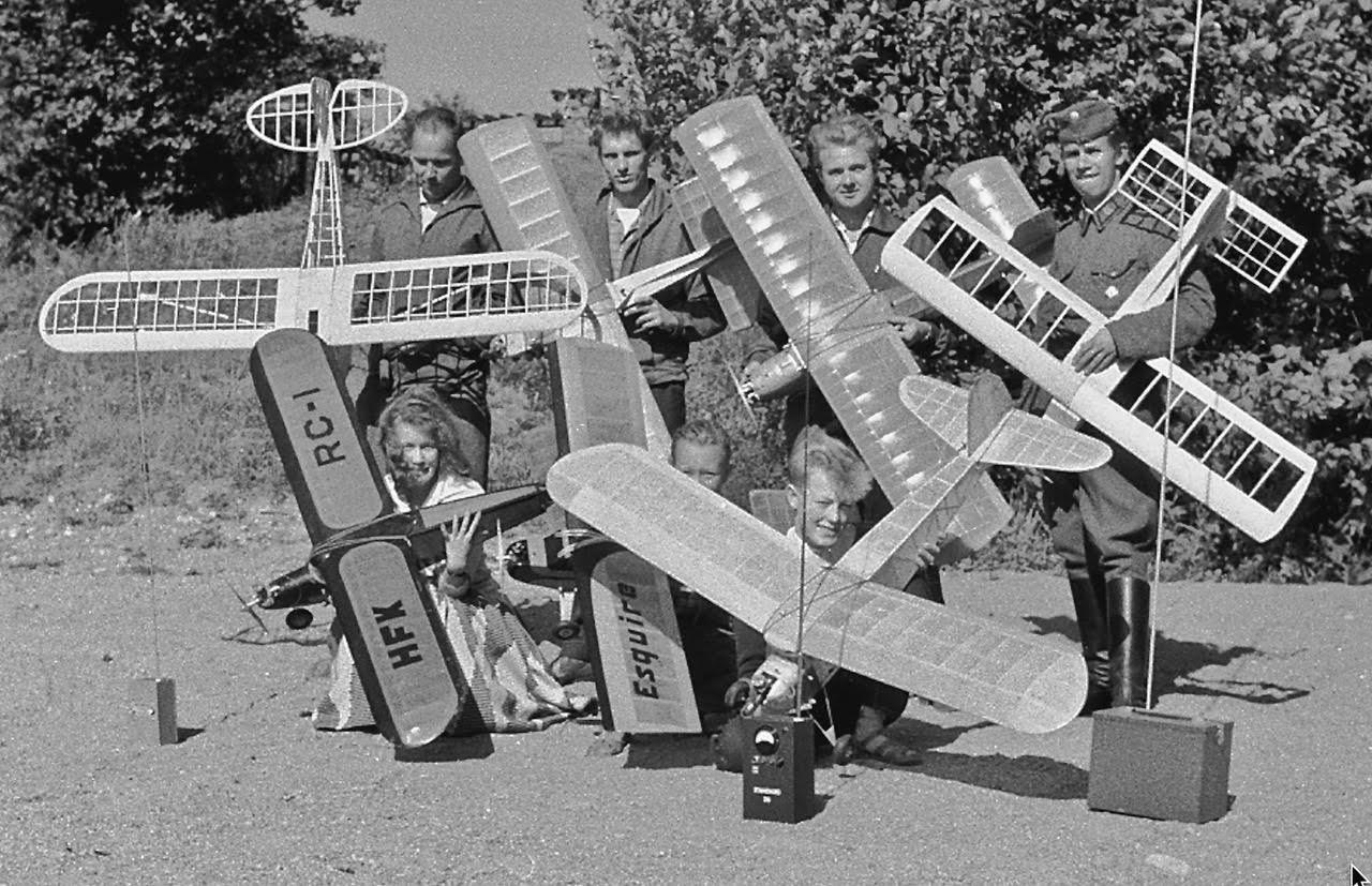 Hangö Flygklubbin lennokkeja ja lennättäjiä 1958