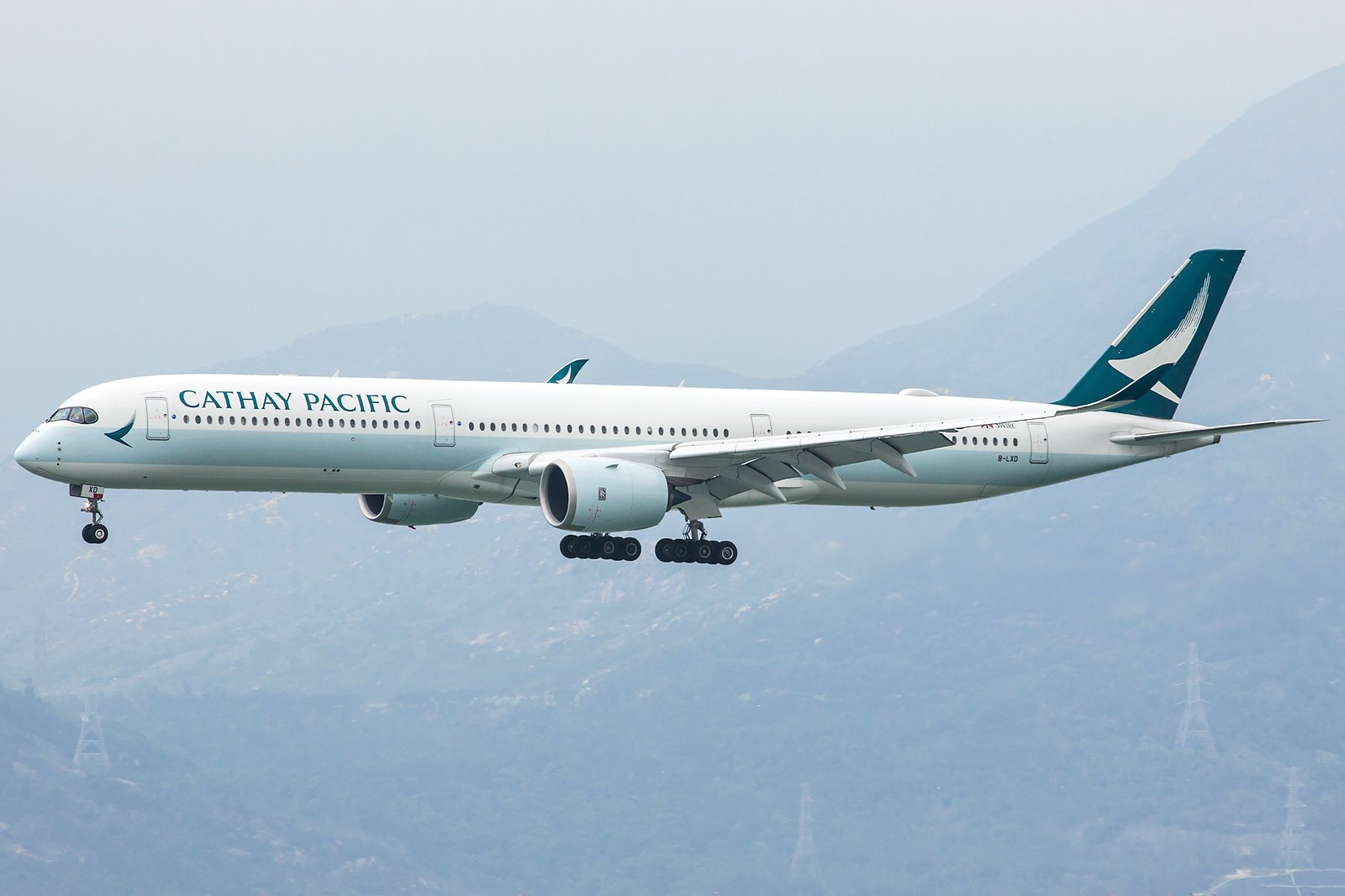 Cathay Pacific Airbus A350-1041 B-LXD